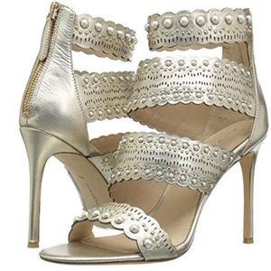 Pour La Victoire Women's Ellura Heeled Sandal